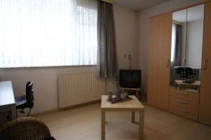 Bekijk kamer te huur in Tilburg Karpatenlaan, € 375, 13m2 - 395838. Geïnteresseerd? Bekijk dan deze kamer en laat een bericht achter!