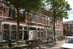 Bekijk woning te huur in Schiedam Puttershoeksestraat, € 975, 105m2 - 280449. Geïnteresseerd? Bekijk dan deze woning en laat een bericht achter!