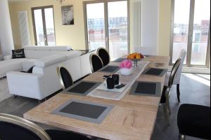 Bekijk appartement te huur in Amsterdam Ben van Meerendonkstraat: Appartement - € 3500, 193m2 - 299572