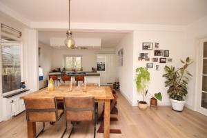 Bekijk appartement te huur in Amsterdam Catharina van Rennesstraat, € 2350, 110m2 - 380029. Geïnteresseerd? Bekijk dan deze appartement en laat een bericht achter!