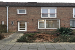 View house for rent in Sittard Leonard Meullenersstraat, € 995, 110m2 - 348502. Interested? check out this house and leave a message!