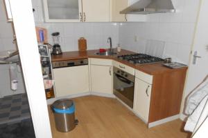 Bekijk appartement te huur in Delft Binnenwatersloot, € 850, 50m2 - 363958. Geïnteresseerd? Bekijk dan deze appartement en laat een bericht achter!