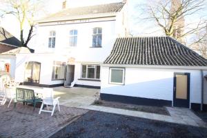 Bekijk woning te huur in Riel Kerkstraat, € 2395, 300m2 - 357083. Geïnteresseerd? Bekijk dan deze woning en laat een bericht achter!