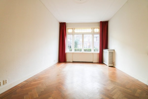 View house for rent in Den Haag Mesdagstraat, € 2850, 189m2 - 381211. Interested? check out this house and leave a message!