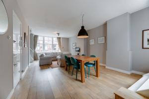 Bekijk appartement te huur in Amsterdam Nieuwe Spiegelstraat, € 2600, 91m2 - 375954. Geïnteresseerd? Bekijk dan deze appartement en laat een bericht achter!