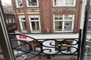 Bekijk appartement te huur in Amsterdam Kalverstraat, € 995, 45m2 - 351402. Geïnteresseerd? Bekijk dan deze appartement en laat een bericht achter!