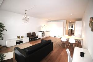 Bekijk appartement te huur in Den Haag Frederikstraat, € 1595, 70m2 - 358466. Geïnteresseerd? Bekijk dan deze appartement en laat een bericht achter!