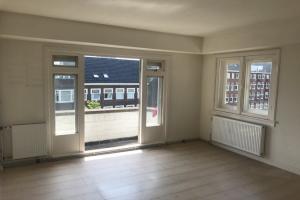 Bekijk appartement te huur in Amsterdam Stadionweg, € 1200, 46m2 - 372446. Geïnteresseerd? Bekijk dan deze appartement en laat een bericht achter!