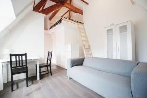 Bekijk studio te huur in Rotterdam Kasteelweg, € 850, 28m2 - 295065. Geïnteresseerd? Bekijk dan deze studio en laat een bericht achter!