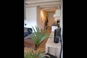 Bekijk studio te huur in Groningen Sint Walburgstraat, € 699, 31m2 - 295243. Geïnteresseerd? Bekijk dan deze studio en laat een bericht achter!