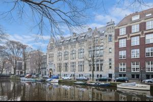 Bekijk appartement te huur in Amsterdam Herengracht, € 2495, 90m2 - 295285. Geïnteresseerd? Bekijk dan deze appartement en laat een bericht achter!