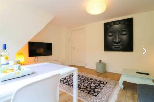Bekijk appartement te huur in Den Haag Laan van Poot, € 1550, 50m2 - 387487. Geïnteresseerd? Bekijk dan deze appartement en laat een bericht achter!