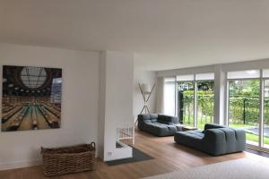 Bekijk woning te huur in Ulvenhout Slotlaan, € 2900, 237m2 - 365804. Geïnteresseerd? Bekijk dan deze woning en laat een bericht achter!