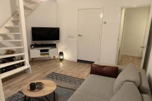 Bekijk appartement te huur in Utrecht Kneppelhoutstraat, € 1475, 43m2 - 380308. Geïnteresseerd? Bekijk dan deze appartement en laat een bericht achter!