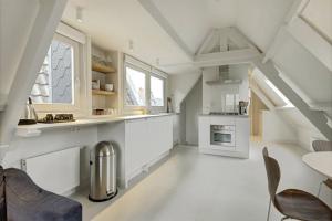 Bekijk appartement te huur in Amsterdam Eerste Goudsbloemdwarsstraat, € 1750, 50m2 - 377274. Geïnteresseerd? Bekijk dan deze appartement en laat een bericht achter!