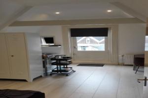Bekijk studio te huur in Rotterdam West-Kruiskade, € 700, 25m2 - 346047. Geïnteresseerd? Bekijk dan deze studio en laat een bericht achter!