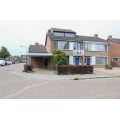 View house for rent in Eersel Lindehof N, € 1380, 145m2 - 359586. Interested? check out this house and leave a message!