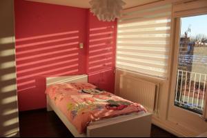 Bekijk kamer te huur in Enschede Spechtstraat, € 370, 12m2 - 321463. Geïnteresseerd? Bekijk dan deze kamer en laat een bericht achter!