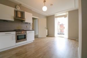Bekijk appartement te huur in Den Haag Jacob Gillesstraat, € 1250, 70m2 - 386007. Geïnteresseerd? Bekijk dan deze appartement en laat een bericht achter!
