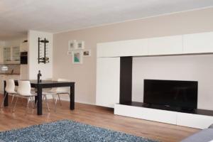 Bekijk appartement te huur in Rotterdam Helmersstraat, € 1645, 90m2 - 369411. Geïnteresseerd? Bekijk dan deze appartement en laat een bericht achter!